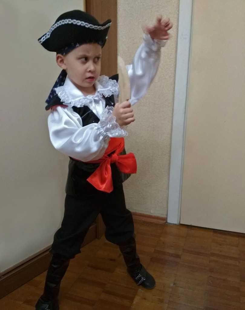 Kak-sdelat-kostyum-pirata-svoimi-rukami-28