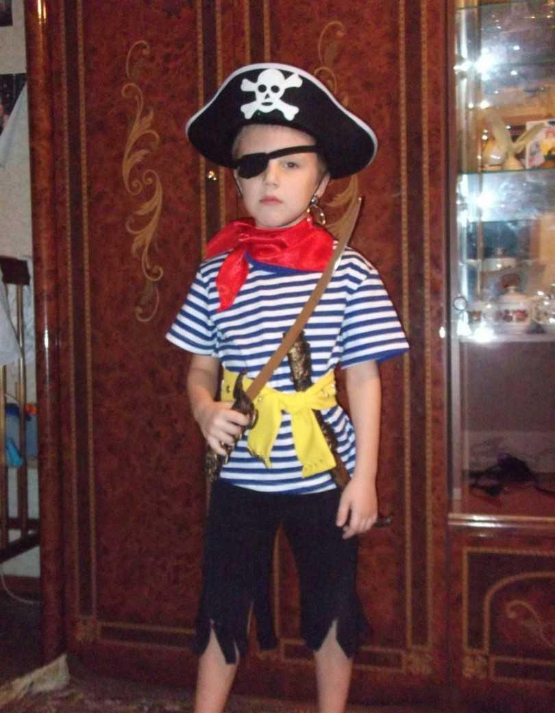 Kak-sdelat-kostyum-pirata-svoimi-rukami-34