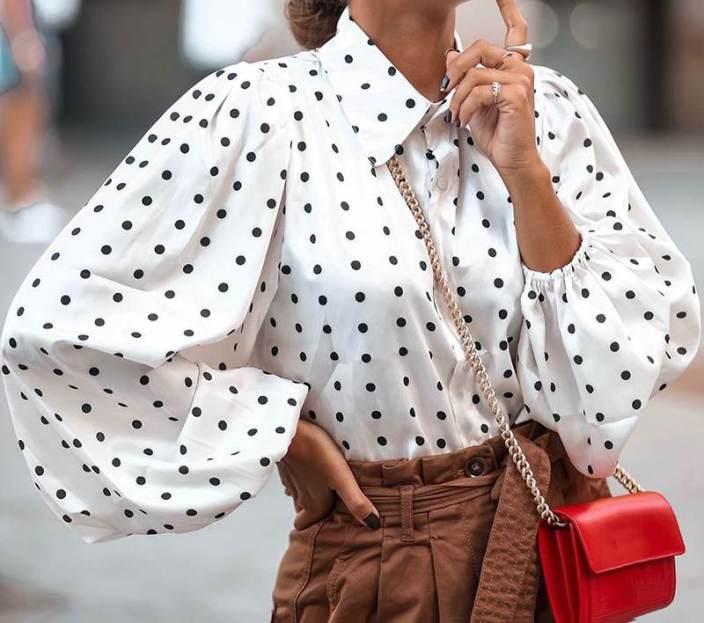 bluzka-s-objemnymi-rukavami