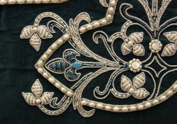 de228a98134ee657569f21a12a3bbf92-beaded-embroidery-embroidery-ideas