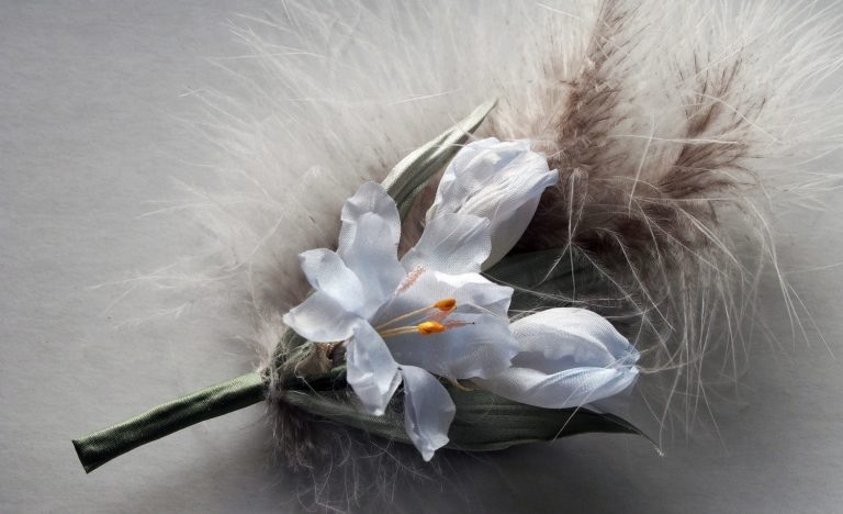 e7df0079f6bac3475249d7ccd9ve-fabric-boutonniere-with-natural-silk-freesia-768x468-1