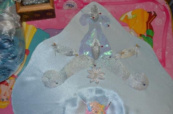 10-V-tsentre-kokoshnika-nakladyvaem-dekor