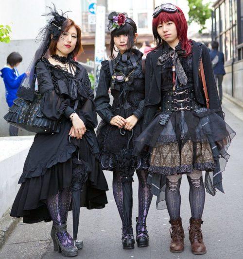 Goticheskaya-Lolita-768x820-1-500x534