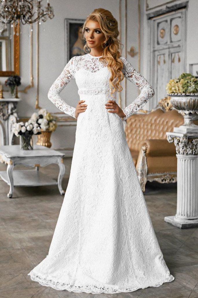 Kruzhevnoe-svadebnoe-plate-a-siluet-683x1024-1