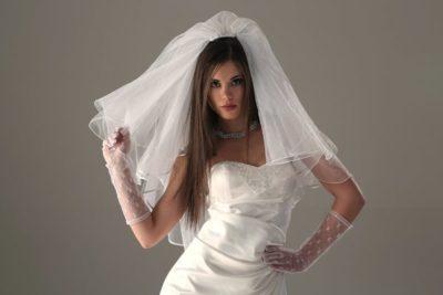 Osobennosti-prodazhi-svadebnogo-platya-400x267