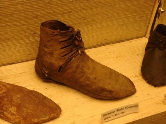 Praktichnaya-obuv