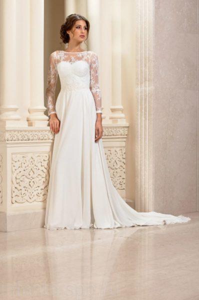 Pryamoe-svadebnoe-plate-s-rukavami-680x1024-1-398x600
