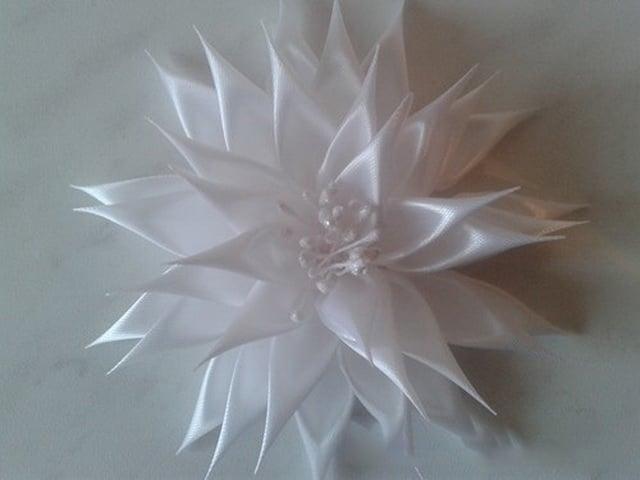 cvety-v-tehnike-kanzashi-28