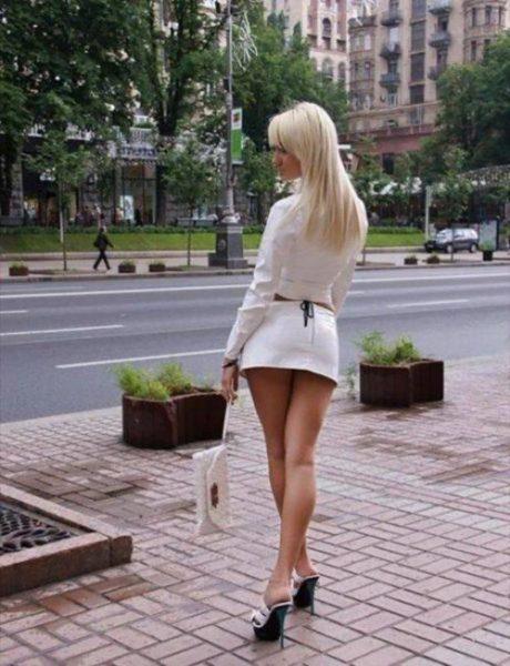 devushki-v-mini-jubkah-11-460x600