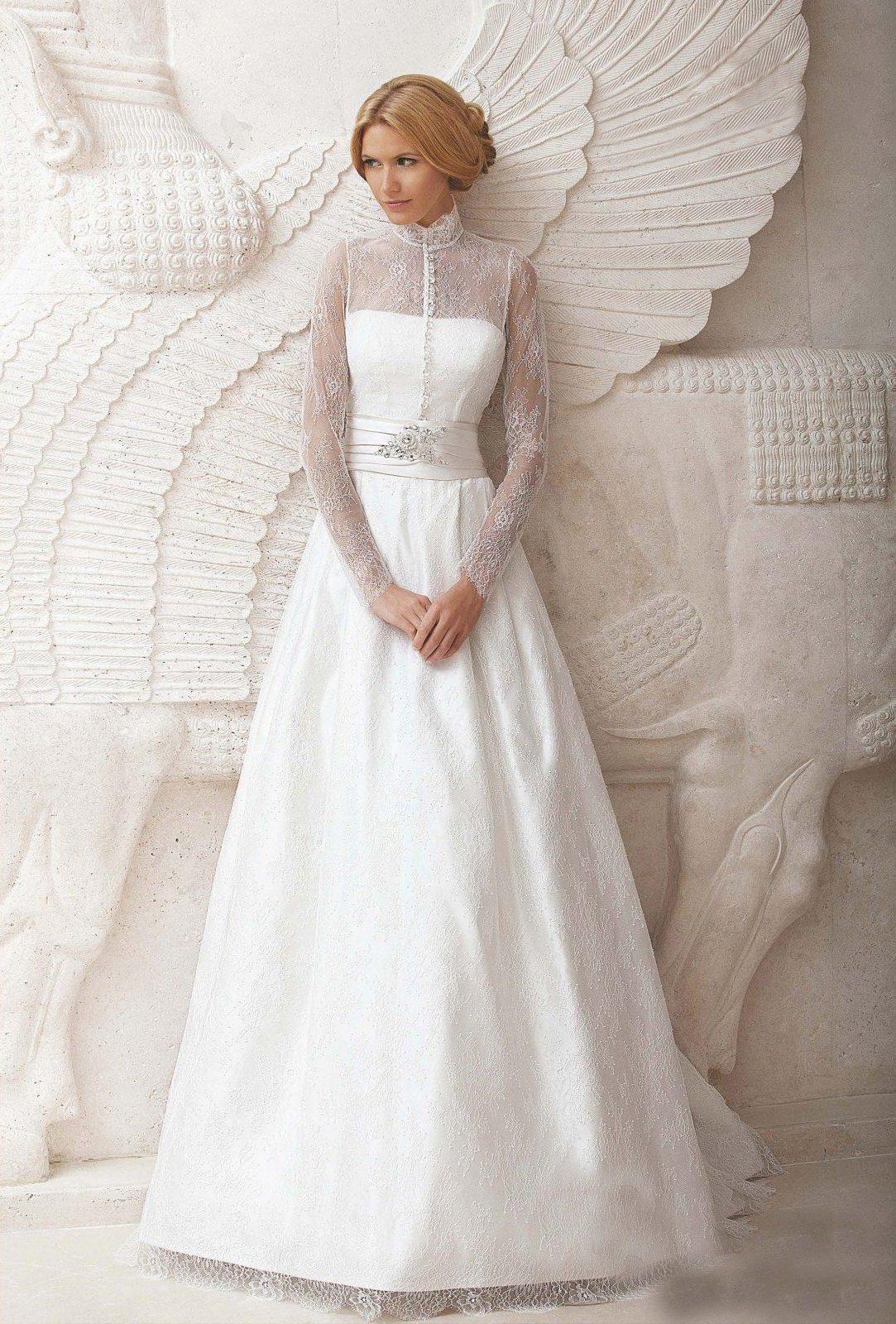 svadebnoe-plate-s-rukavami-iz-kruzheva-4