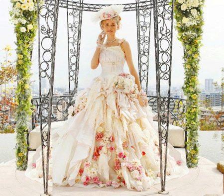 top-25-neobychnyh-svadebnyh-platev-2-strannyh-obraza-3