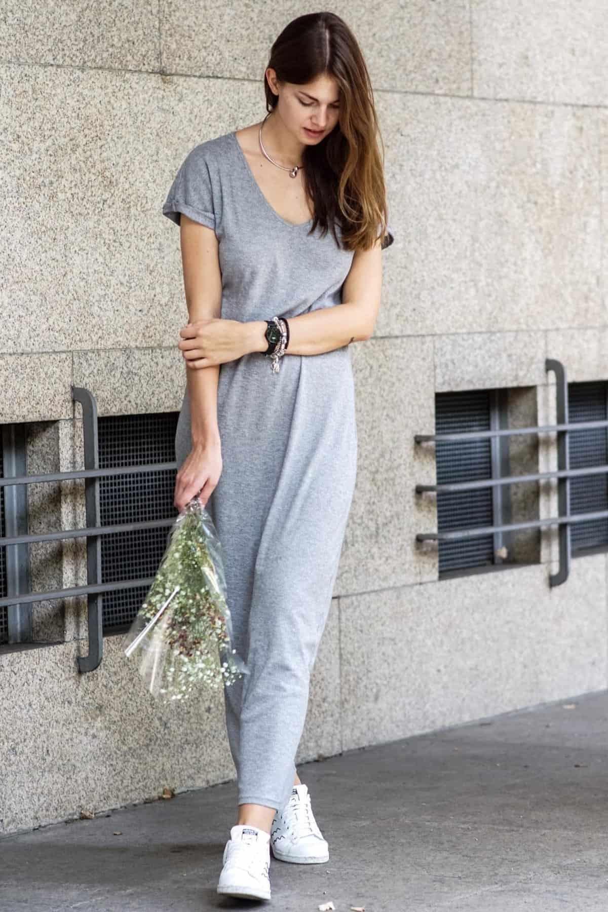 Grey_Dress_White_Sneakers-4