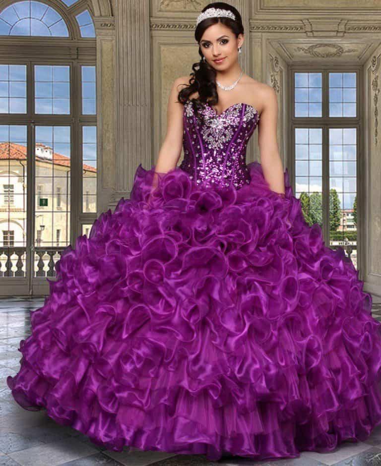 Бальные платья: существующие разновидности и удачные модели