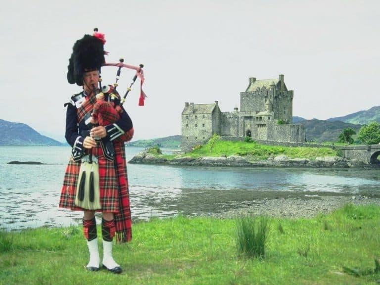 Юбка-шотландка: история происхождения, особенности и модные модели