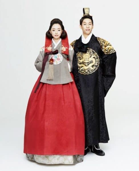 korejskie-narjadi-3-488x600