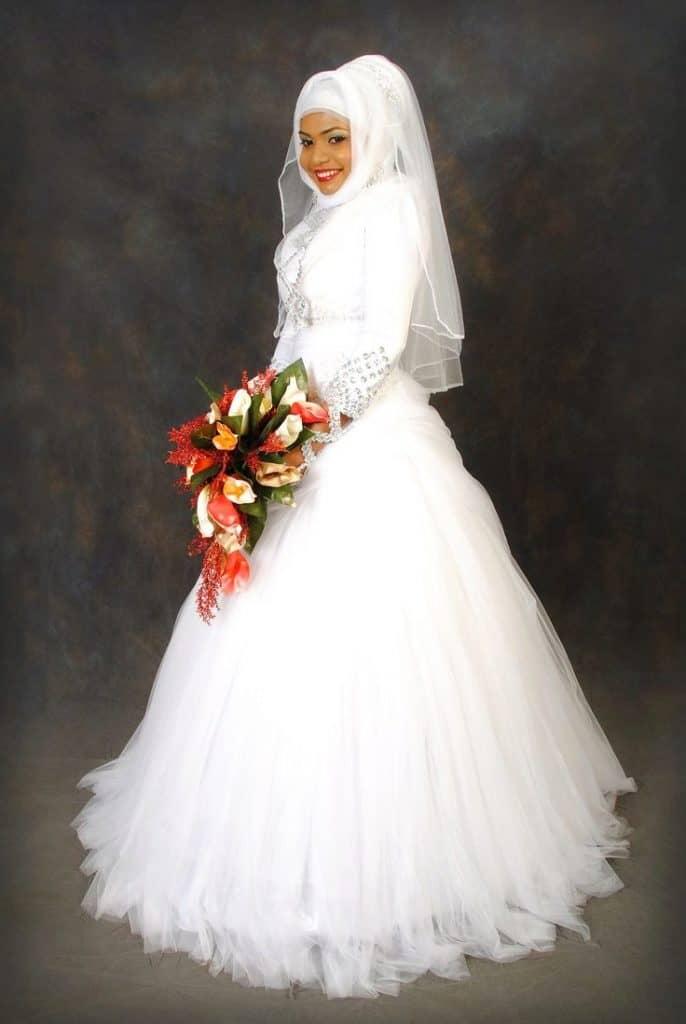osobennosti-vibora-musulmanskogo-svadebnogo-platja-1