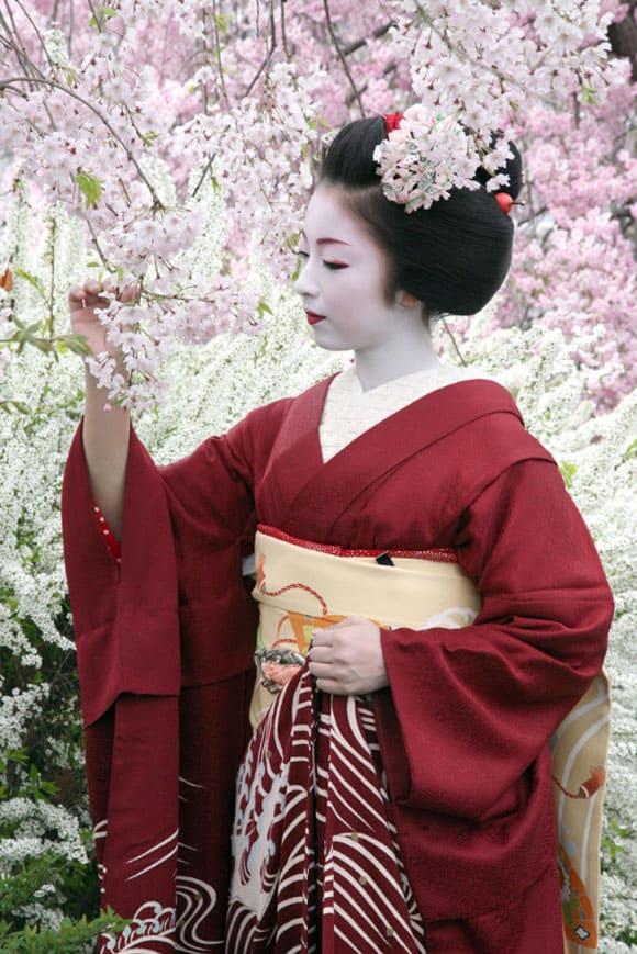japonskoe-kimono-modeli-1