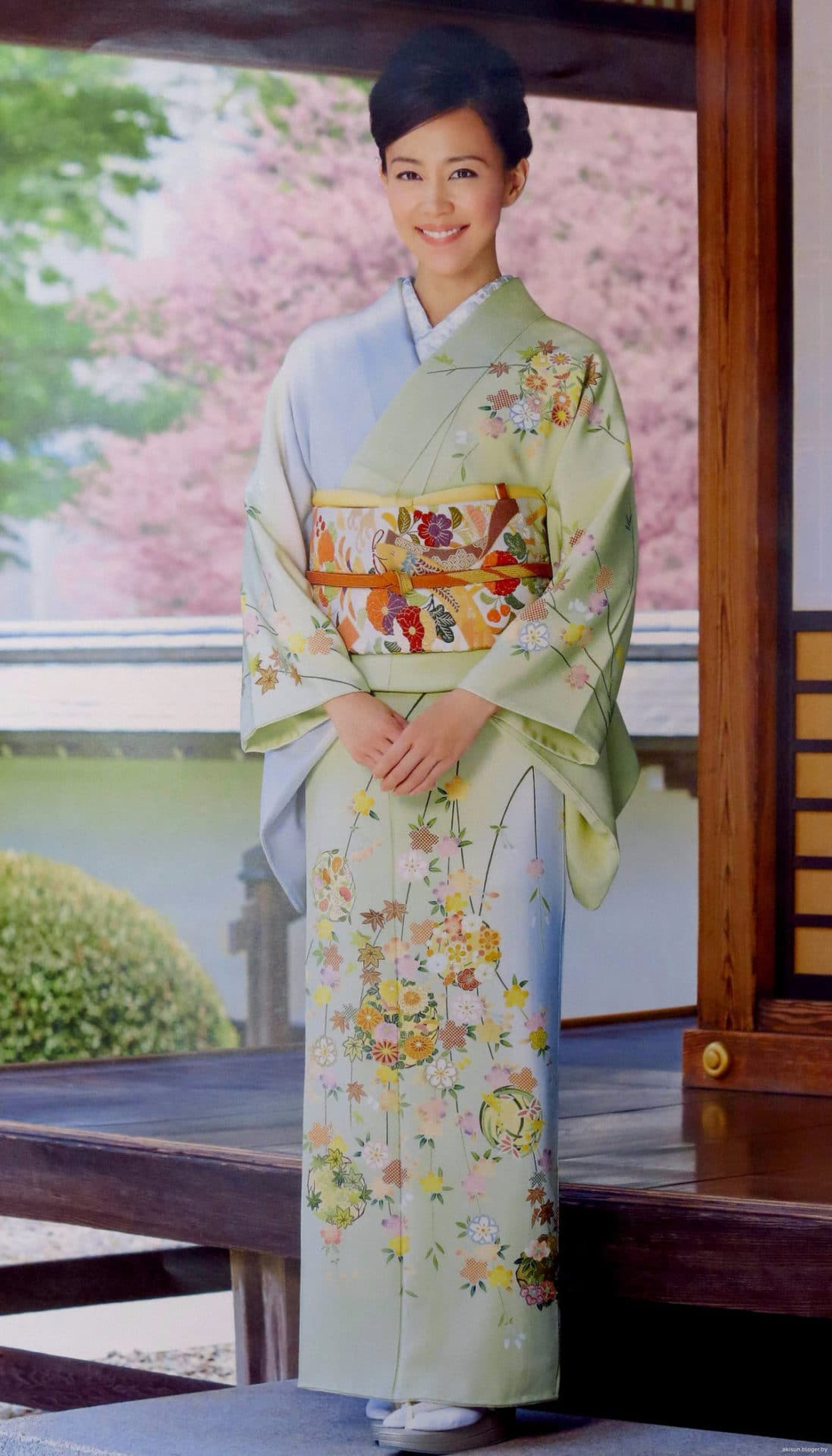 japonskoe-kimono-modeli-13